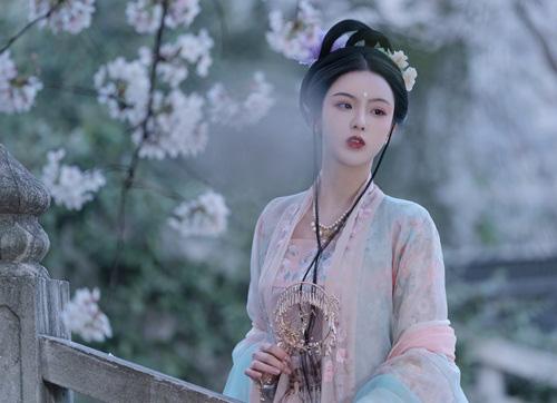 Vì ngôi hoàng hậu, mỹ nhân dâng em gái cho hoàng đế, kết quả lại chết em gái cũng hại chính mình  - Ảnh 3.