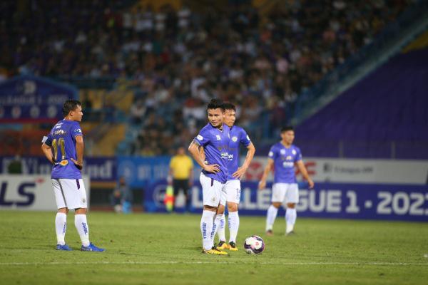 Quang Hải thiếu may mắn ở derby Thủ đô.