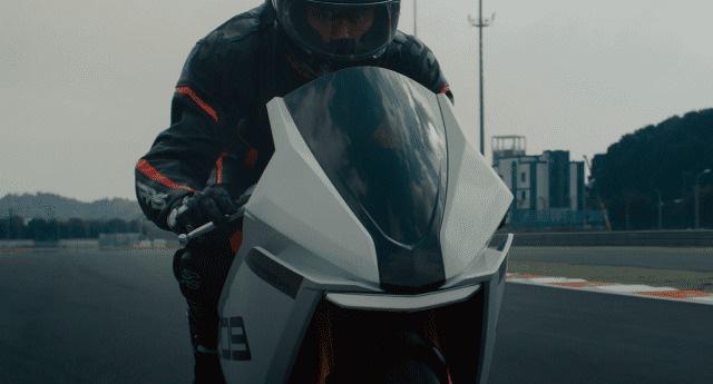 """Xe mô tô điện Trung Quốc """"nhái"""" huyền thoại Aprilia RS125, thông số khó tin, giá bán đắt đỏ - Ảnh 1."""