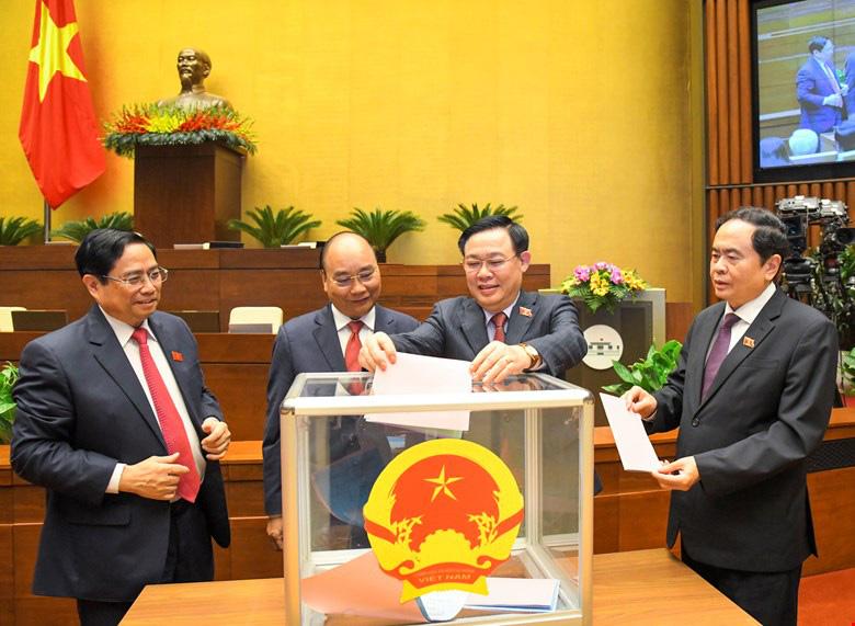 Chi tiết các chức danh vừa được Quốc hội miễn nhiệm - Ảnh 1.