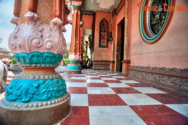 """Điểm danh những ngôi chùa mang kiến trúc """"nửa Tây nửa ta"""" ở Việt Nam khiến du khách thích mê - Ảnh 12."""