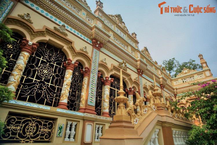"""Điểm danh những ngôi chùa mang kiến trúc """"nửa Tây nửa ta"""" ở Việt Nam khiến du khách thích mê - Ảnh 6."""