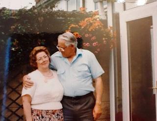 Cuộc đời kỳ lạ của một phụ nữ gần 70 năm chỉ sống với mẹ và chưa từng yêu ai - Ảnh 3.