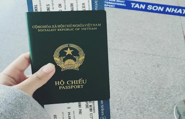 Làm hộ chiếu có phải về nơi thường trú? - Ảnh 1.