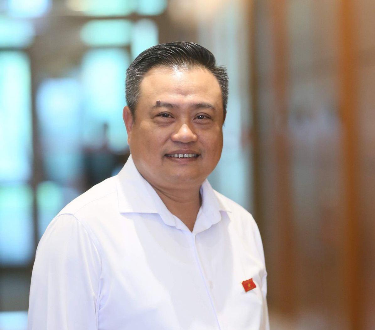 Chân dung Ủy viên Trung ương 50 tuổi được bầu giữ chức Tổng Kiểm toán Nhà nước - Ảnh 1.