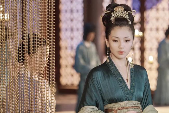"""Hoàng hậu """"cả gan"""" nhất lịch sử Trung Hoa: Dám bạt tai Hoàng đế vì dung túng Phi tần loạn ngôn nói xấu """"chính thất"""" - Ảnh 1."""