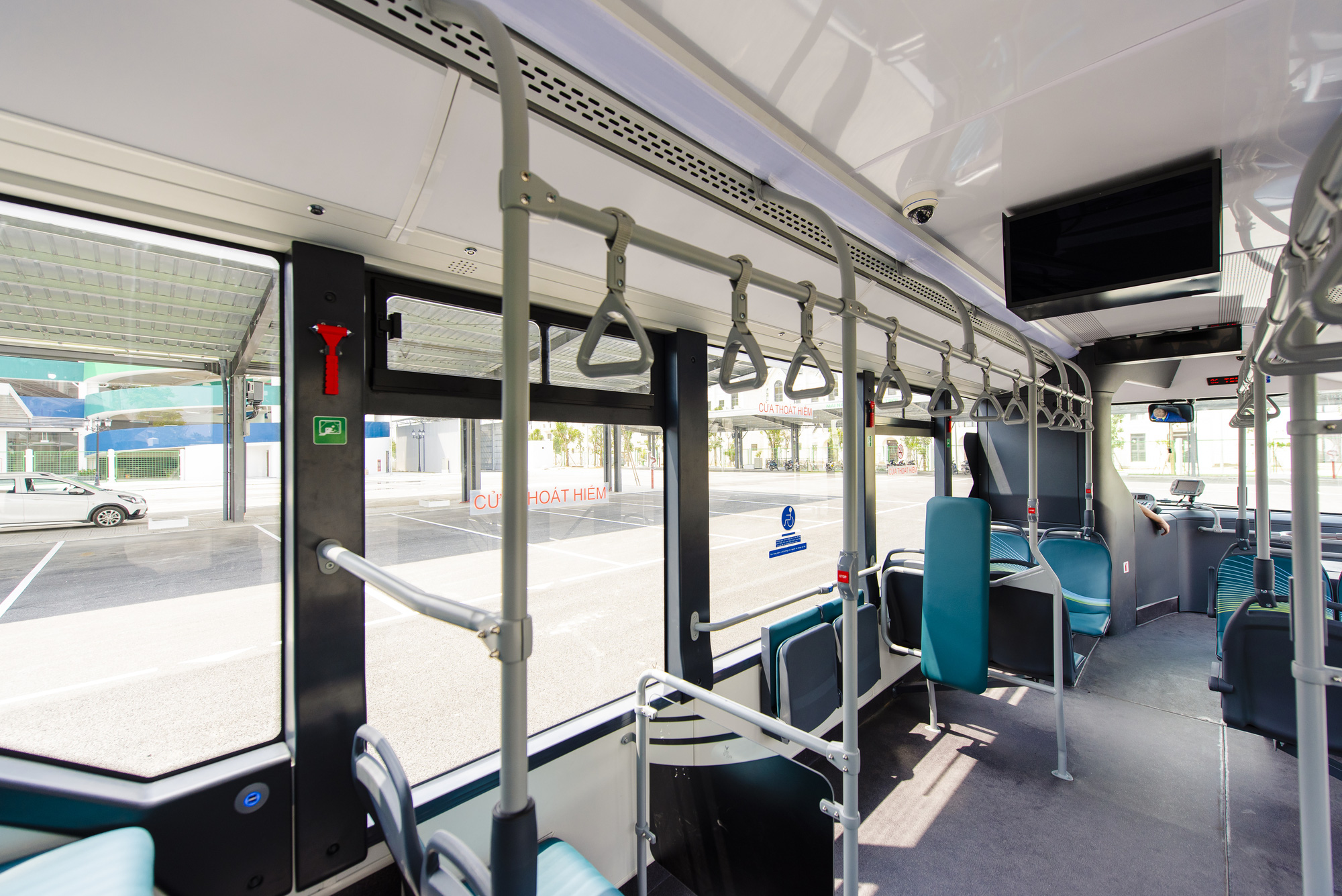 Cận cảnh xe buýt điện VinFast lăn bánh tại Hà Nội, có gì đặc biệt? - Ảnh 6.
