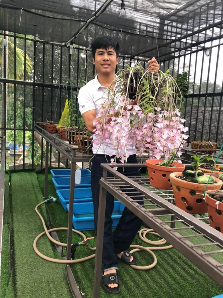 """Nghệ nhân trồng lan Tạ Văn Hiệp: """"Cây lan lớn lên chỉ bằng tình yêu thực sự - Ảnh 1."""