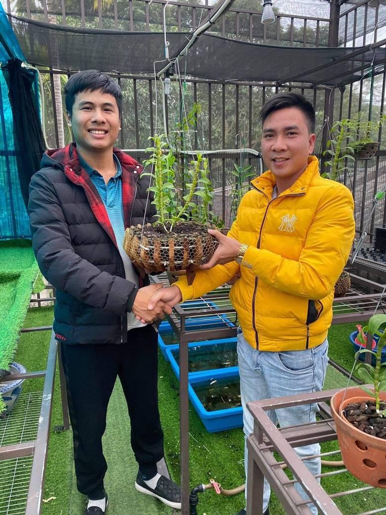 """Nghệ nhân trồng lan Tạ Văn Hiệp: """"Cây lan lớn lên chỉ bằng tình yêu thực sự - Ảnh 3."""