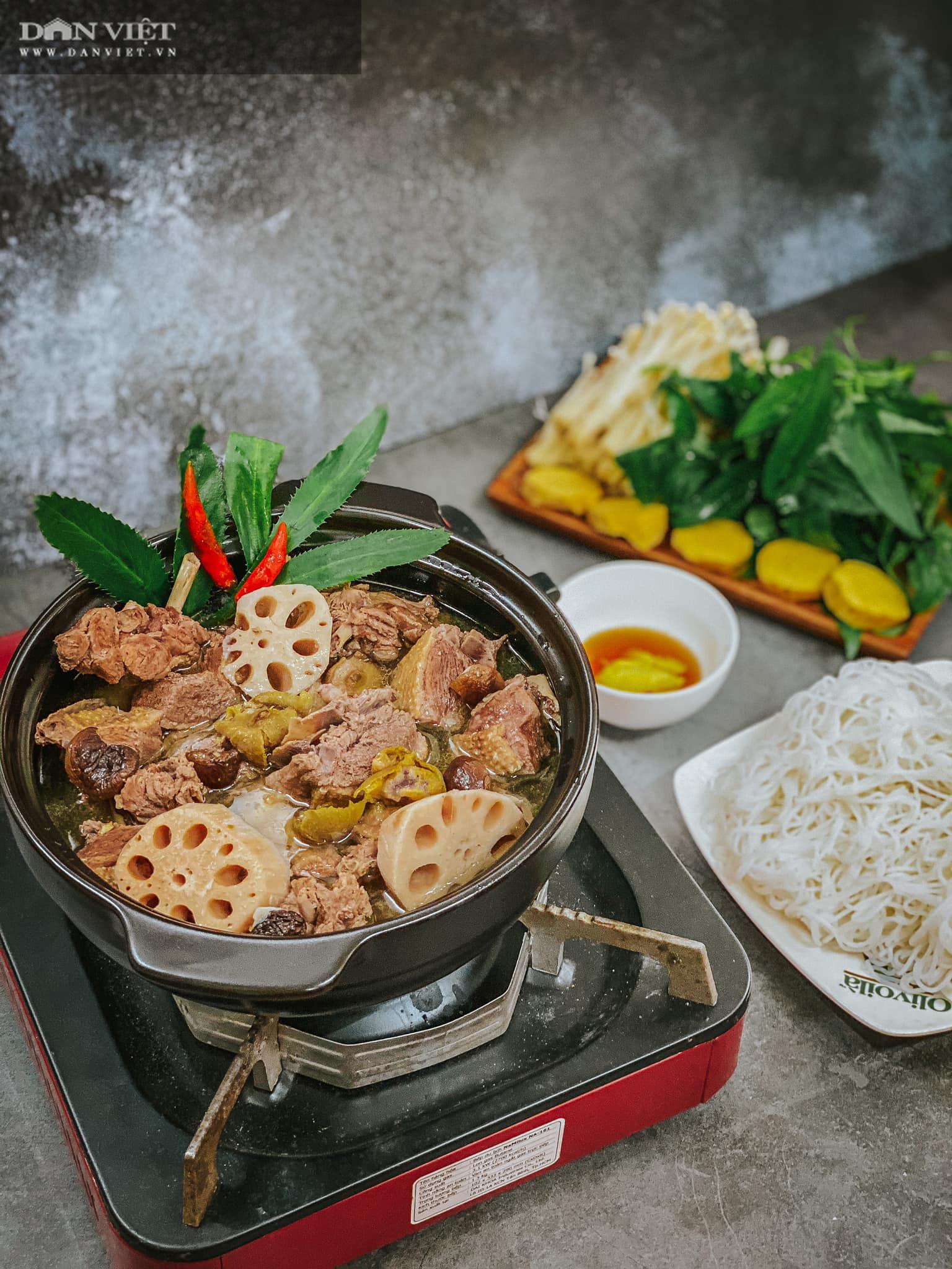 Đổi món với vịt om sấu nấu cùng củ sen và nước dừa - Ảnh 3.