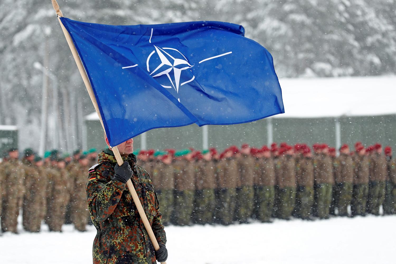 NATO đến gần Ukraine gửi thông điệp ớn lạnh cho Nga - Ảnh 1.