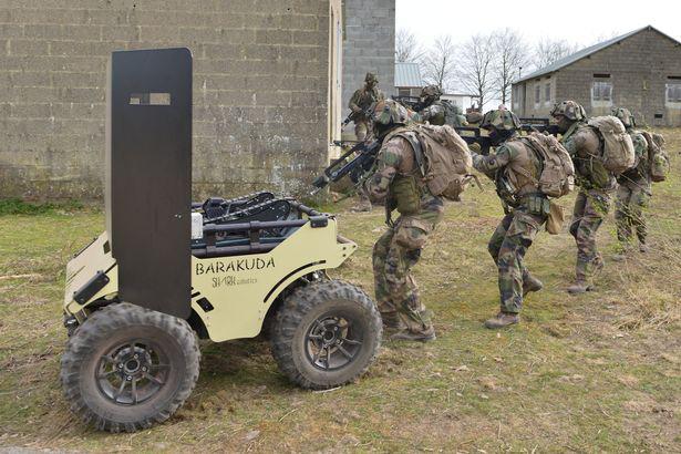 Quân đội Pháp đang thử nghiệm chó Robot trong chiến đấu - Ảnh 2.
