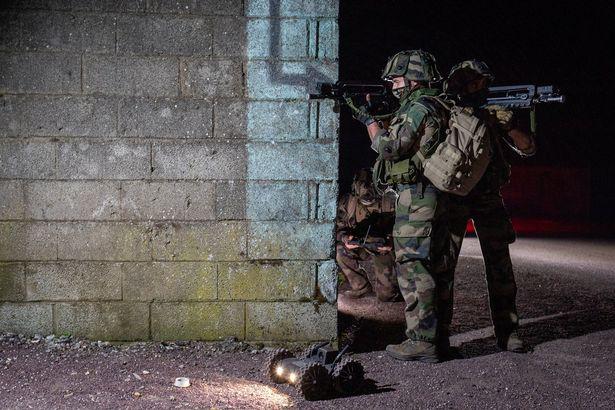 Quân đội Pháp đang thử nghiệm chó Robot trong chiến đấu - Ảnh 3.