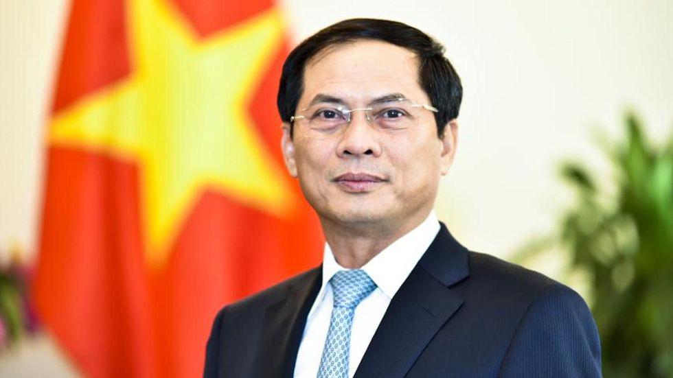 Tân Bộ trưởng Ngoại giao nói gì về quan hệ với các nước láng giềng và đối tác chiến lược? - Ảnh 1.