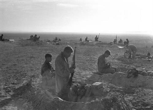 Liên quân Anh - Pháp và trận chiến thảm họa chiếm kênh đào Suez - Ảnh 1.