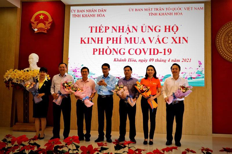 Khánh Hòa: Gần 27 tỷ đồng dùng để mua vắc xin phòng Covid-19 và tiêm miễn phí cho người dân - Ảnh 1.
