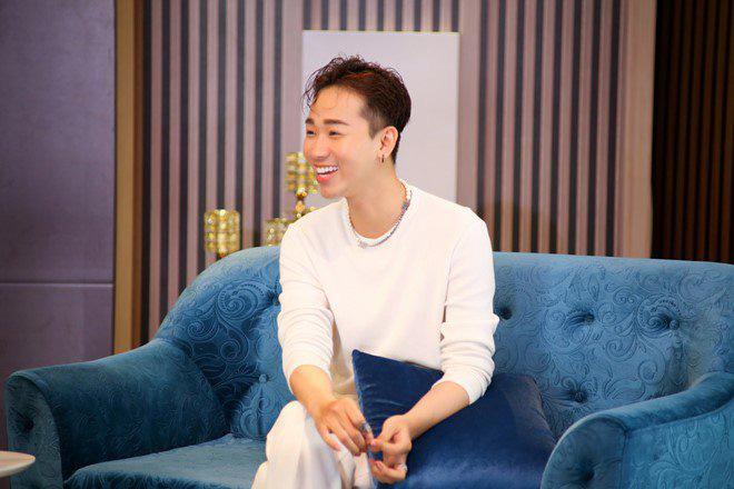 """Vì sao diễn viên Hải Triều """"chán giả gái đẹp"""", muốn đóng vai giả gái """"khùng""""? - Ảnh 1."""