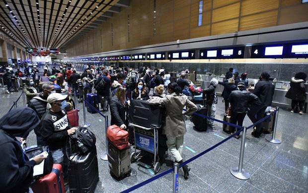 Mỹ ban hành lệnh cấm nhập cảnh đối với người đến từ Ấn Độ - Ảnh 1.