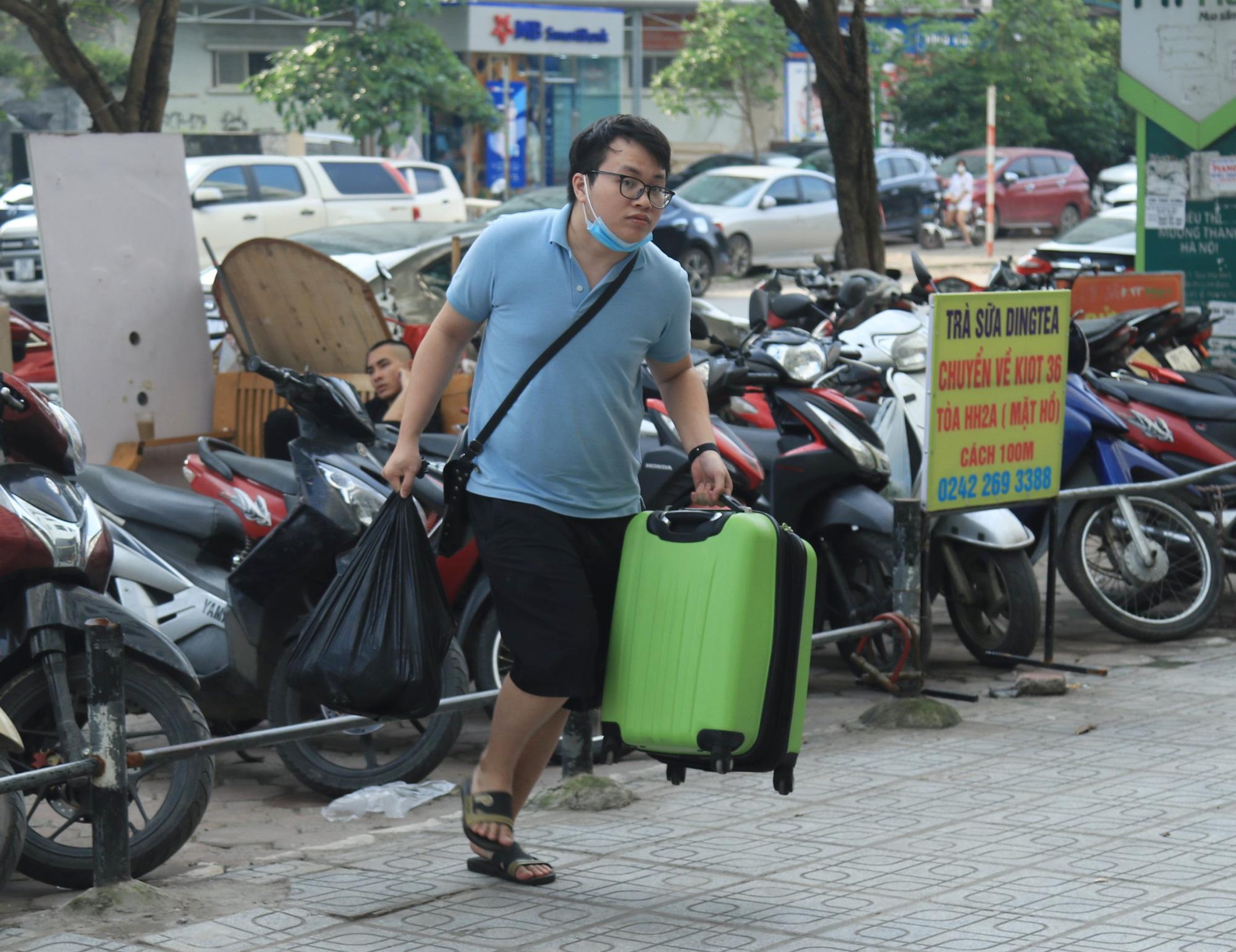 Người dân khai báo y tế bắt buộc ra sao khi trở lại Hà Nội sau nghỉ lễ 30/4-1/5? - Ảnh 5.