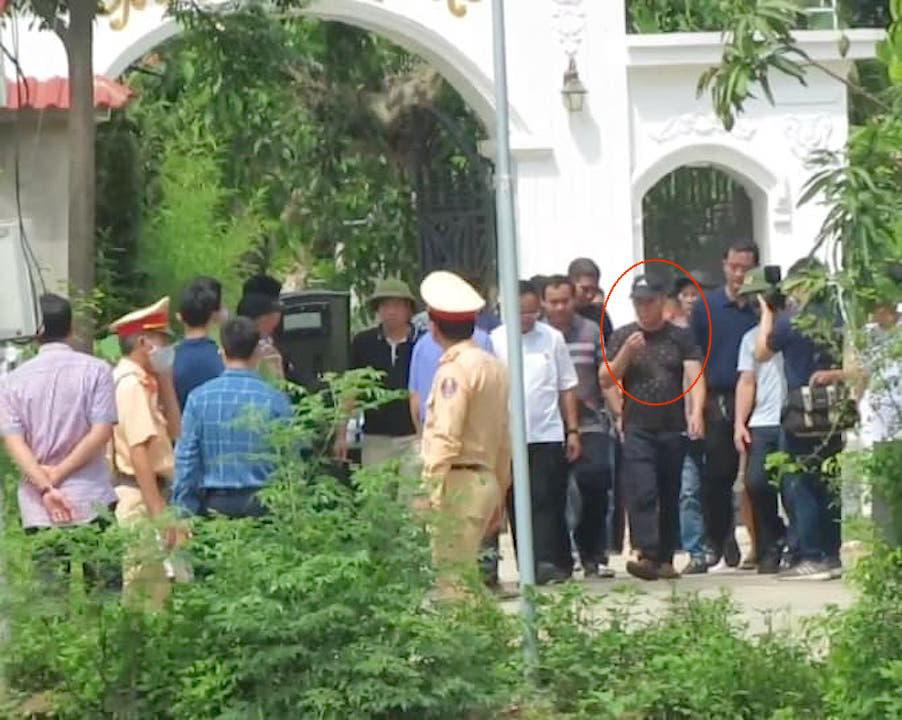 Cuộc đấu trí với nghi phạm bắn chết 2 người ở Nghệ An qua lời kể của đại tá công an - Ảnh 2.