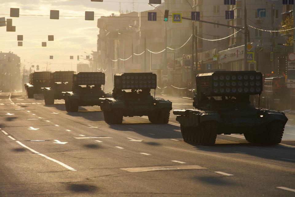 Nga khoe xe tăng, khí tài khi tập dượt cho lễ duyệt binh - Ảnh 7.