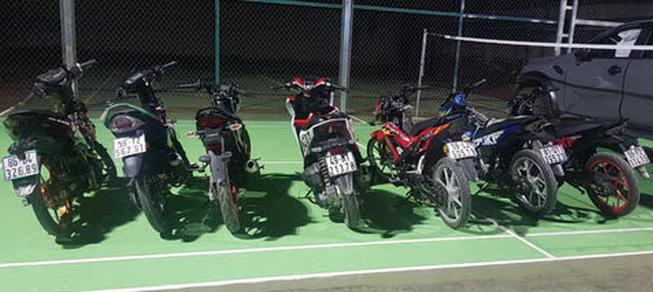 Công an đón lõng, tóm gọn đoàn quái xế từ 4 tỉnh thành về Đồng Nai đua xe - Ảnh 2.
