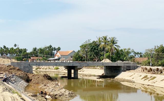Quảng Ngãi: Những dự án từng gây sóng dư luận đang dính nợ ứng đầu tư công quá hạn  - Ảnh 8.