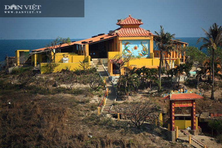 """Canh """"giờ vàng"""" lần theo con đường bí ẩn dưới nước đến thăm ngôi miếu có vị trí đặc biệt nhất Việt Nam - Ảnh 3."""