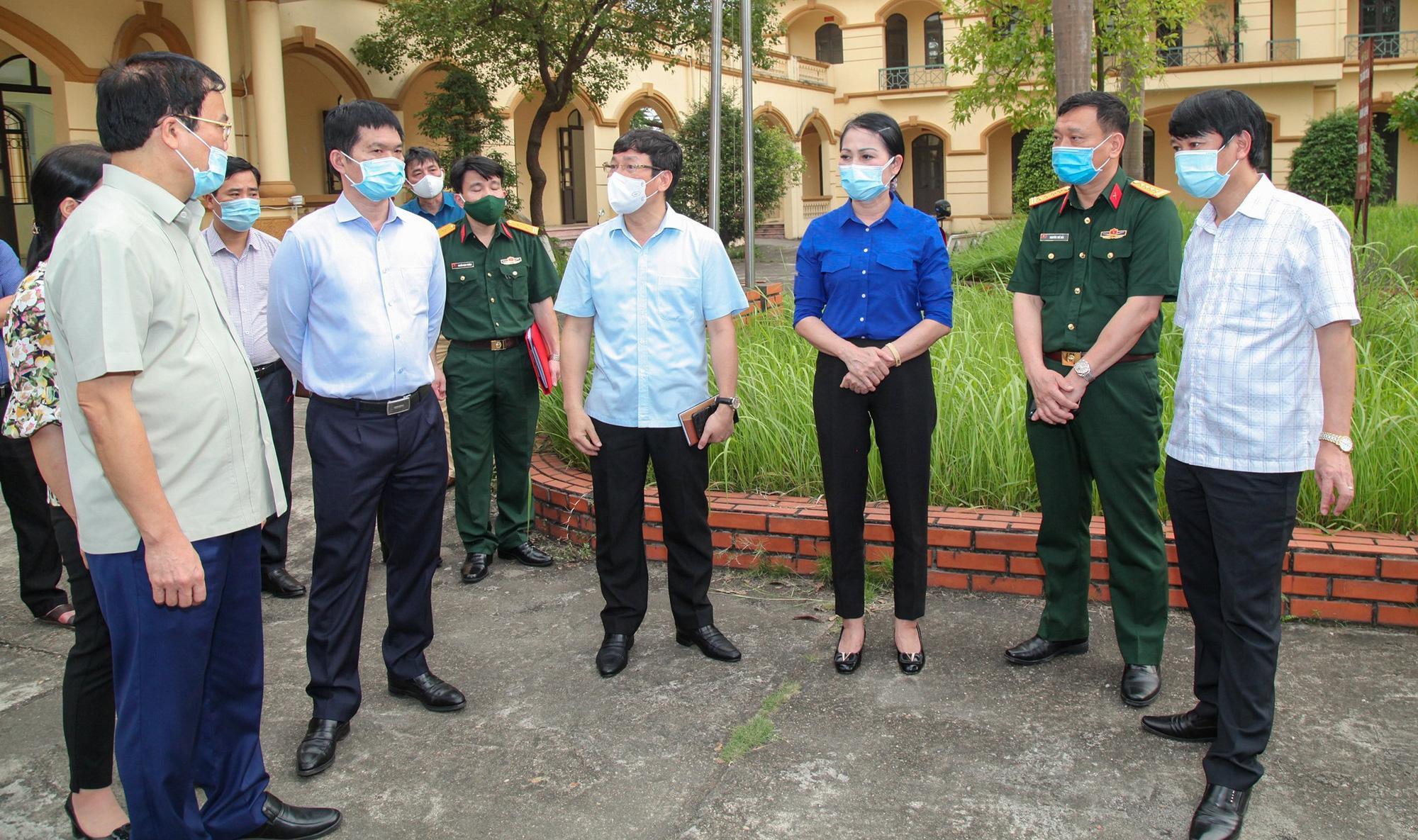 Vĩnh Phúc: Ngay trong đêm 3/5/2021 huyện Yên Lạc phong tỏa tạm thời toàn bộ thôn Báo Văn 1 - Ảnh 1.
