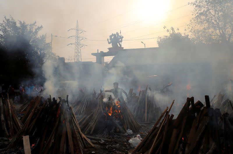 Ấn Độ kêu gọi hạn chế hoạt động kinh tế để tập trung vào ngăn chặn Covid-19 - Ảnh 5.