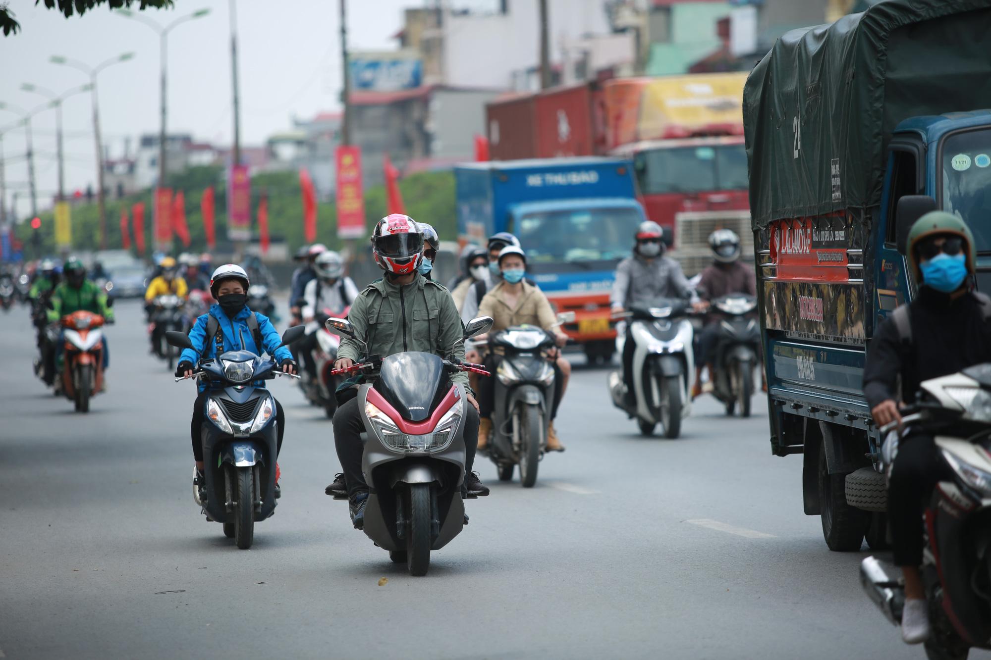 Giao thông cửa ngõ Thủ đô thông thoáng lạ thường ngày cuối kỳ nghỉ lễ 30/4  - Ảnh 4.
