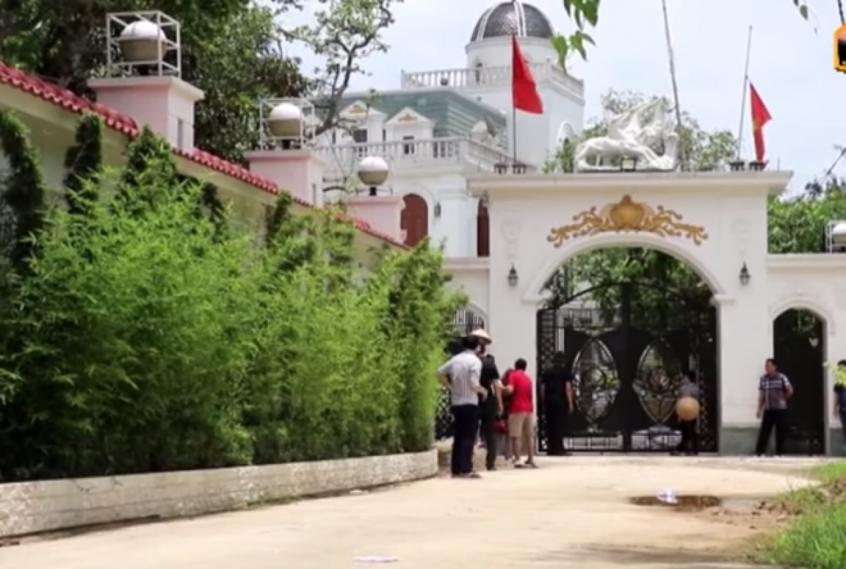 Vụ nghi phạm bắt chết 2 người, cố thủ ở Nghệ An: Thêm diễn biến mới nhất - Ảnh 3.