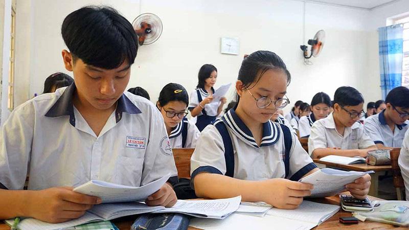 Tuyển sinh lớp 10: Cân nhắc điều chỉnh nguyện vọng giờ chót - Ảnh 1.