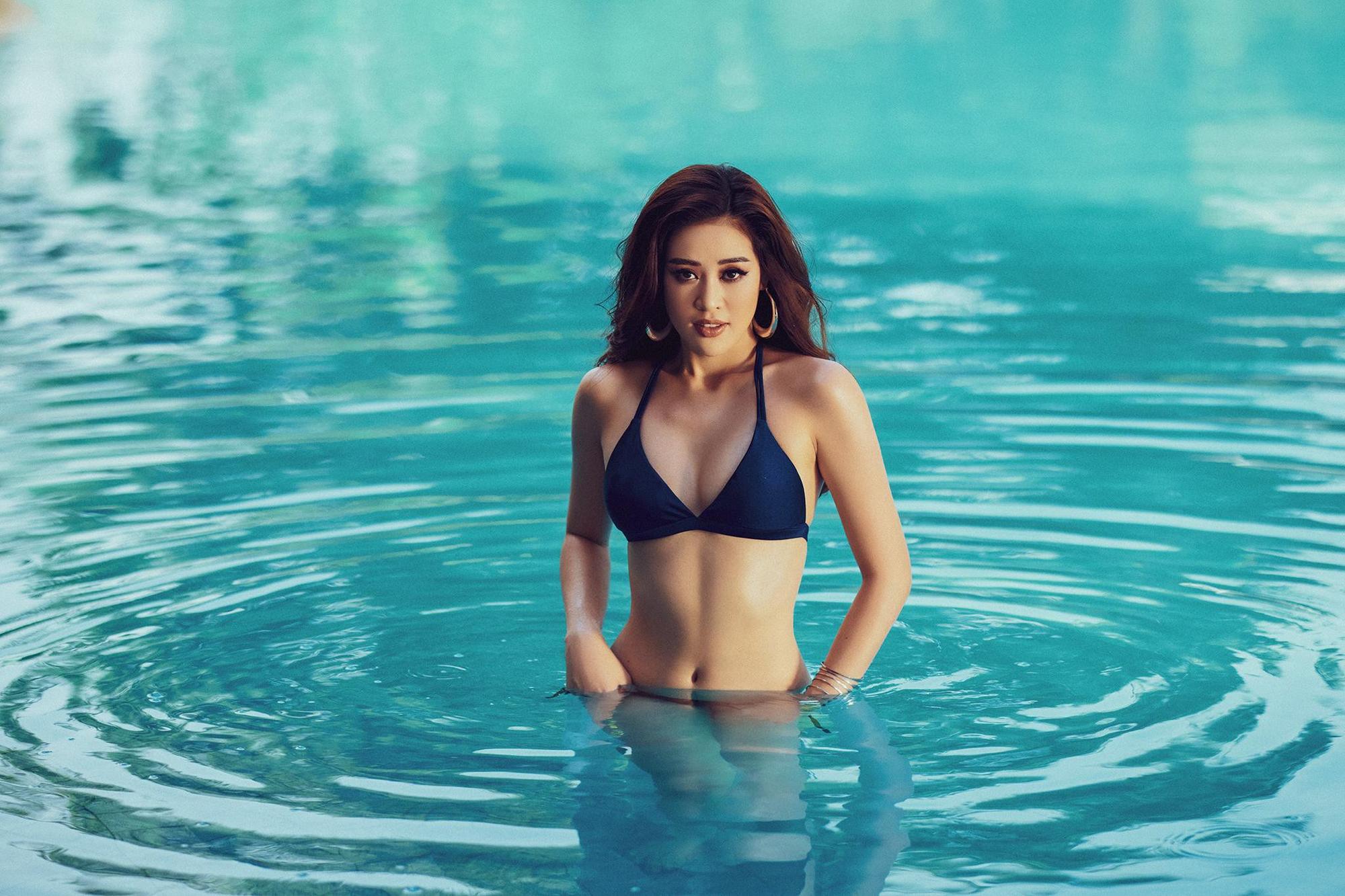 Vừa sang Mỹ thi Miss Universe, Khánh Vân tung ảnh bikini khoe chân dài nóng bỏng