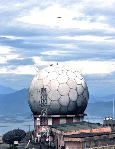 """Cận cảnh lớp """"áo giáp"""" bảo vệ không thể thiếu của dàn radar biển đảo Việt Nam - Ảnh 7."""