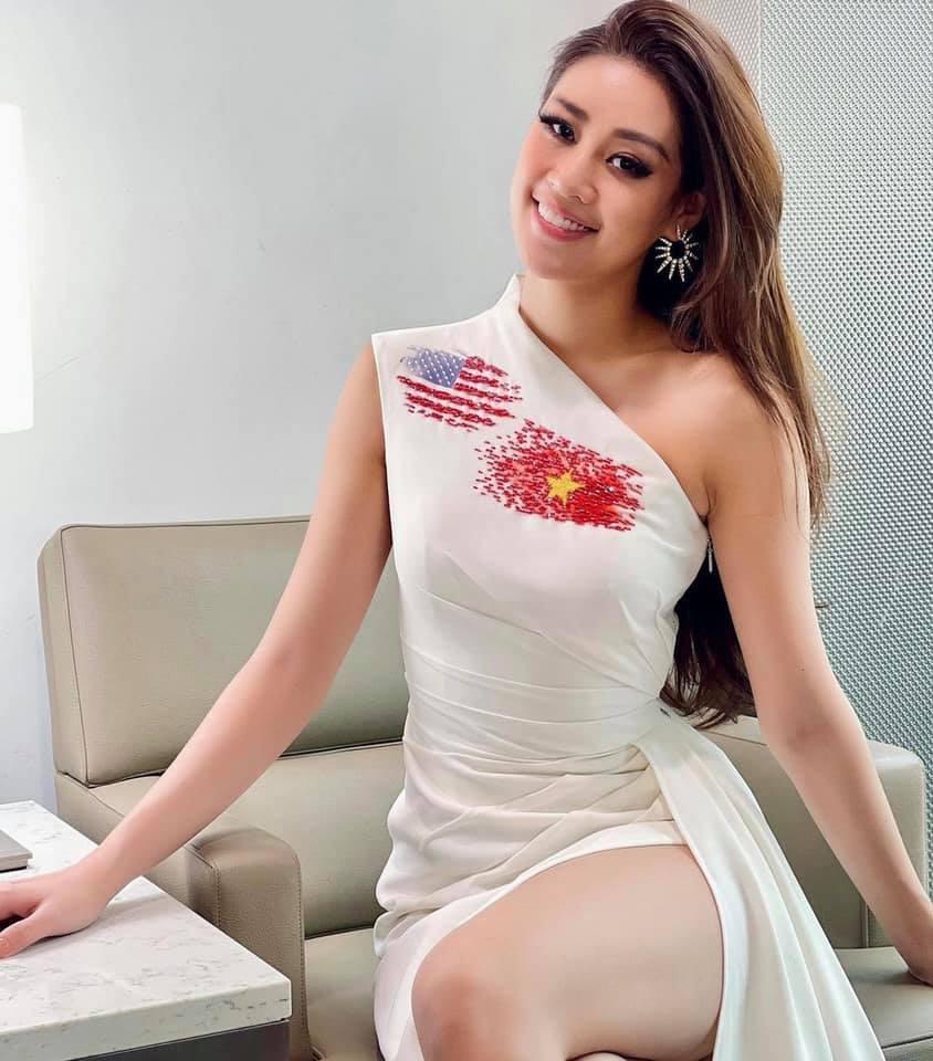 """Hoa hậu Khánh Vân chào nước Mỹ bằng màn catwalk """"thần sầu"""", lọt top 21 BXH Miss Universe - Ảnh 2."""