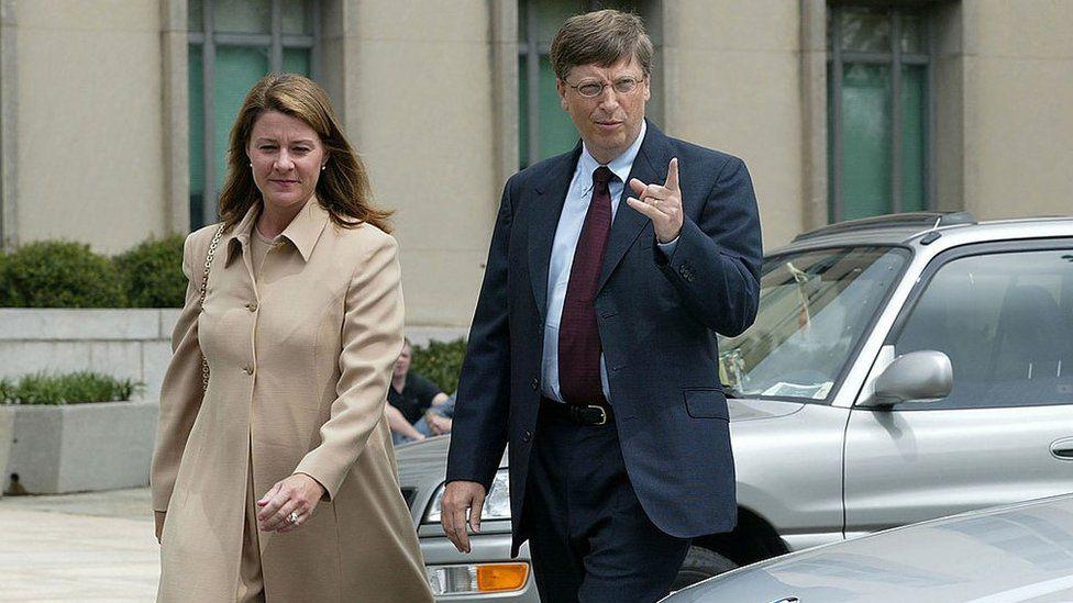 Nhìn lại những khoảnh khắc hạnh phúc trong quá khứ của vợ chồng Bill Gates - Ảnh 2.