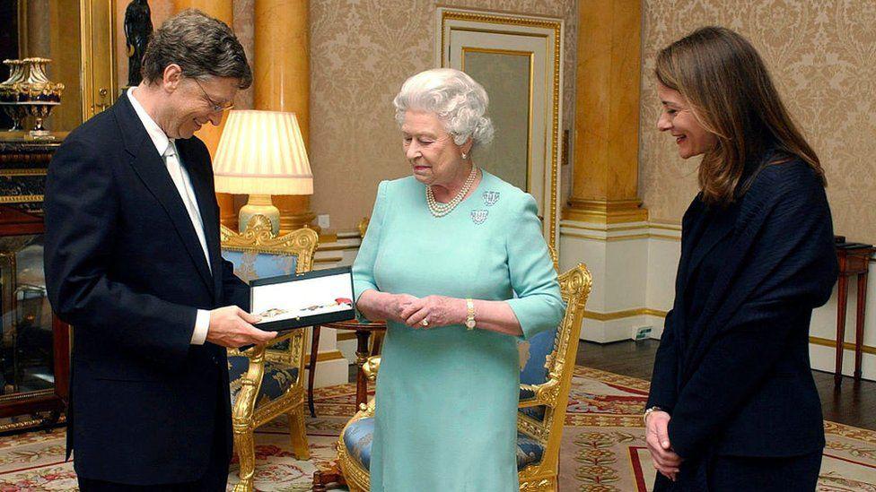 Nhìn lại những khoảnh khắc hạnh phúc trong quá khứ của vợ chồng Bill Gates - Ảnh 4.