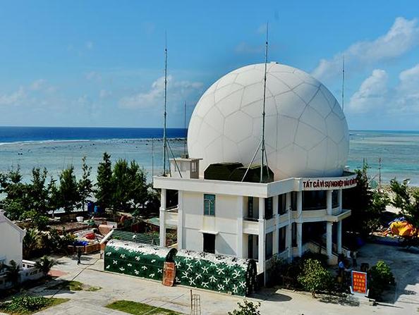 """Cận cảnh lớp """"áo giáp"""" bảo vệ không thể thiếu của dàn radar biển đảo Việt Nam - Ảnh 1."""