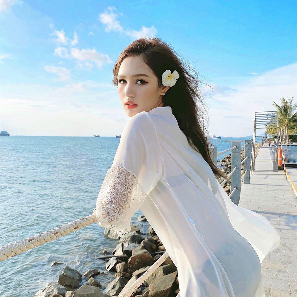 Vợ streamer giàu nhất Việt Nam, khoe vòng 1 nhìn là mê - Ảnh 8.