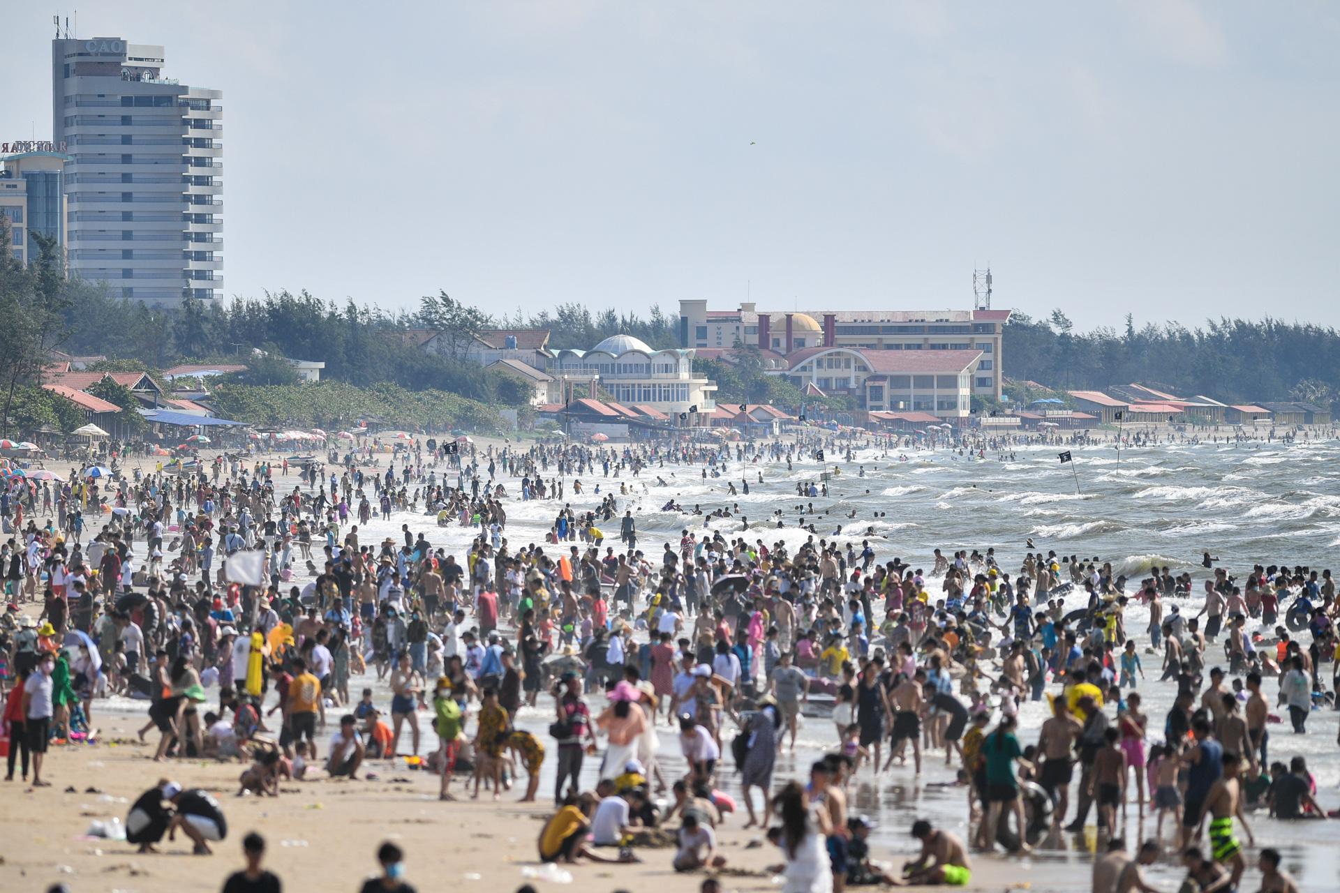 Hàng triệu người du lịch khắp cả nước 4 ngày nghỉ lễ - Ảnh 8.