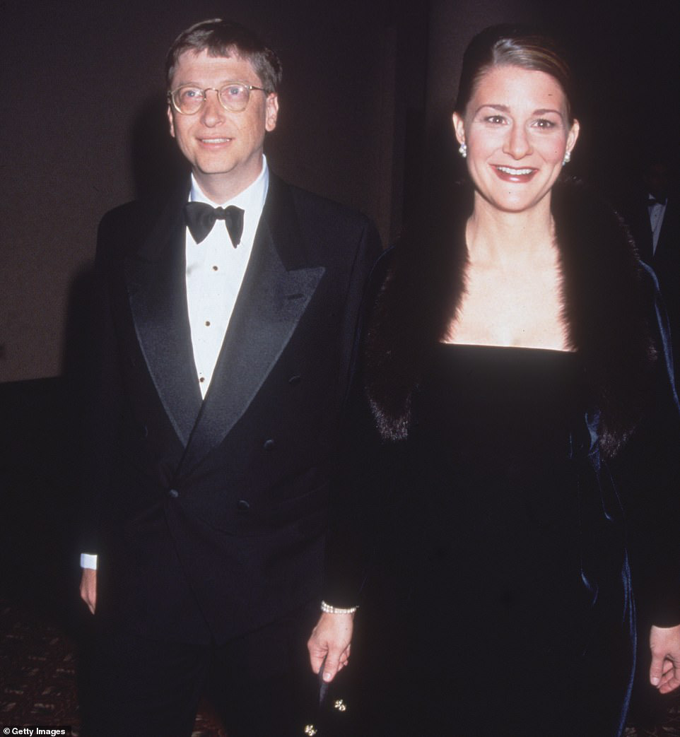 Hé lộ thông tin bất ngờ trong đơn li hôn của vợ tỷ phú Bill Gates - Ảnh 1.