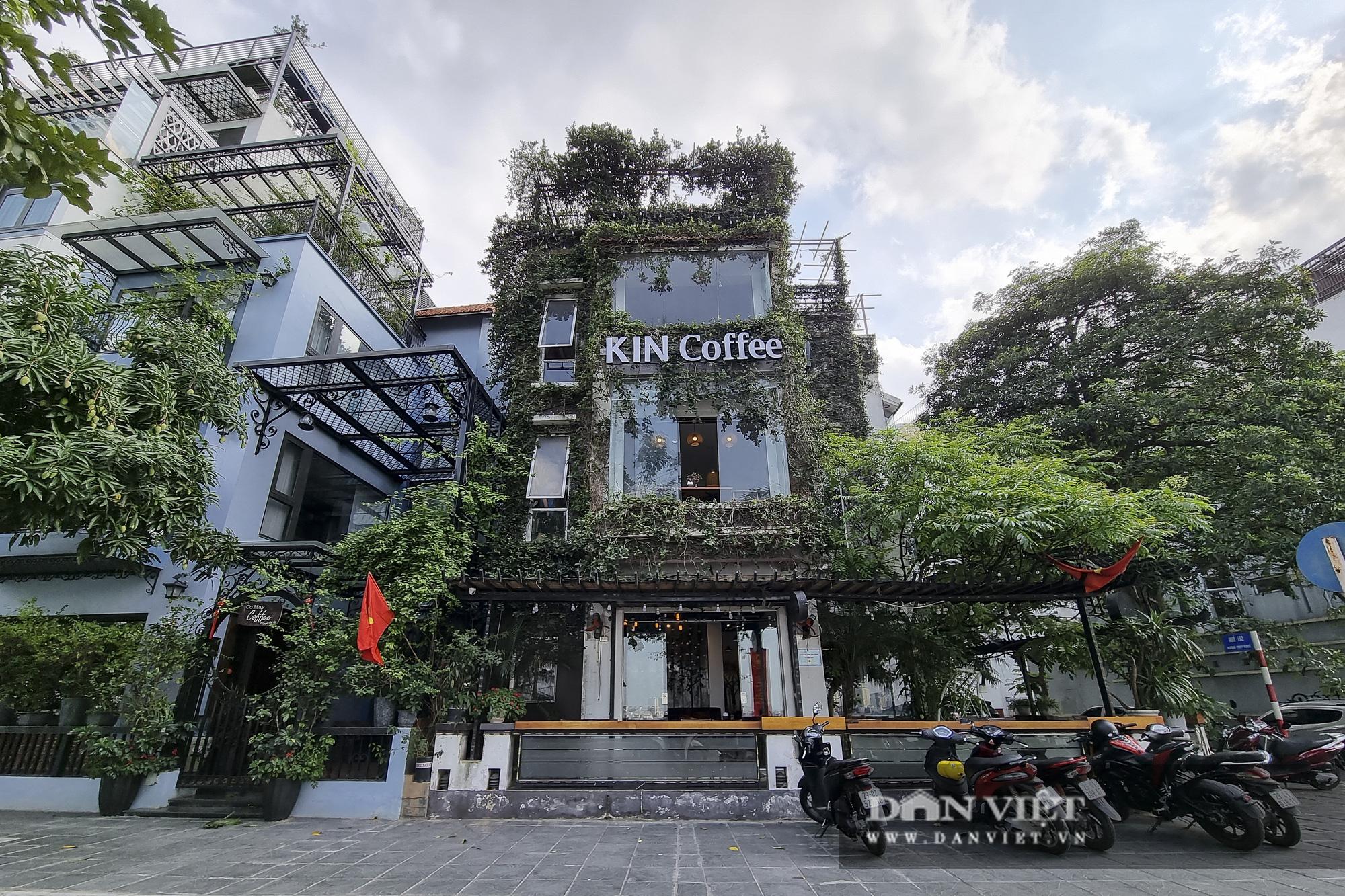 Hà Nội: Nhà hàng, quán cà phê, trà đá vỉa hè nơi chấp hành tốt, nơi vẫn ngang nhiên hoạt động  - Ảnh 1.