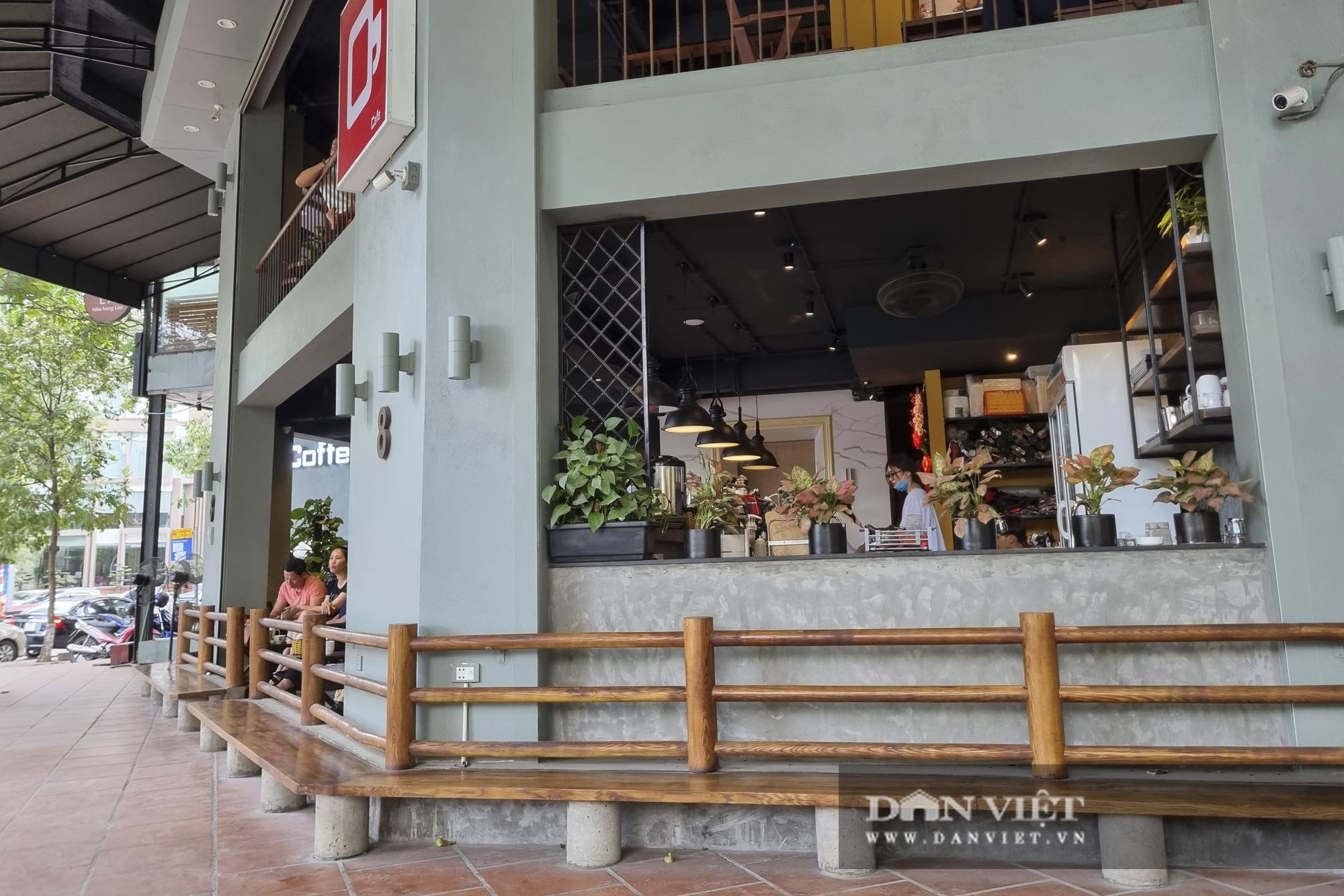 Hà Nội: Nhà hàng, quán cà phê, trà đá vỉa hè nơi chấp hành tốt, nơi vẫn ngang nhiên hoạt động  - Ảnh 3.