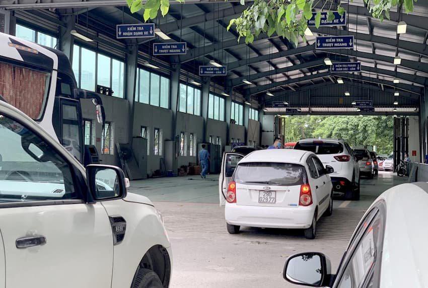 Thủ tục đi đăng ký ô tô cho người mua xe lần đầu - Ảnh 2.