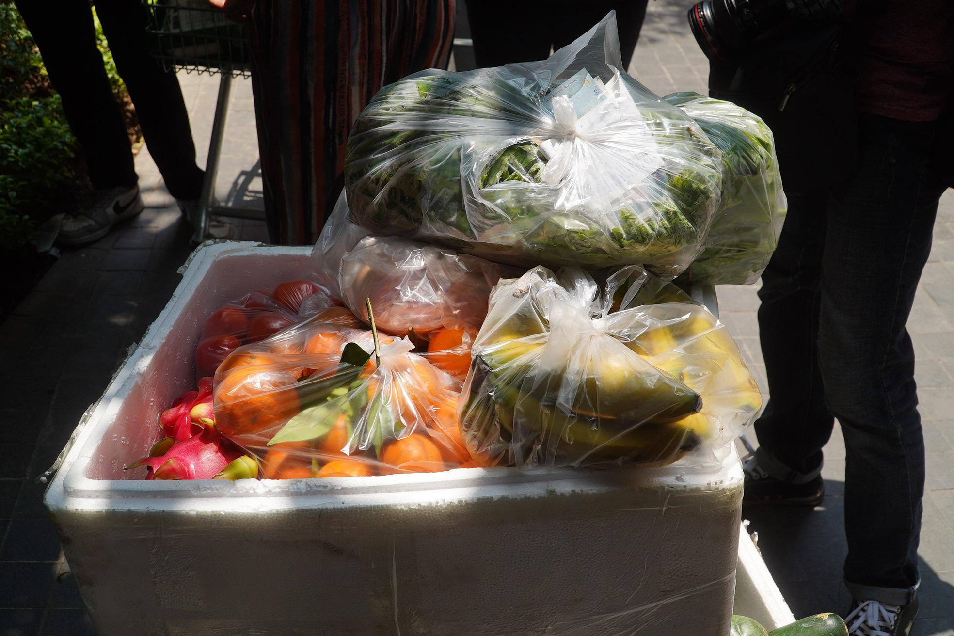Phong tỏa, tiếp tế đồ ăn chung cư ở Times City có chuyên gia Ấn Độ dương tính với SARS-CoV-2 - Ảnh 10.