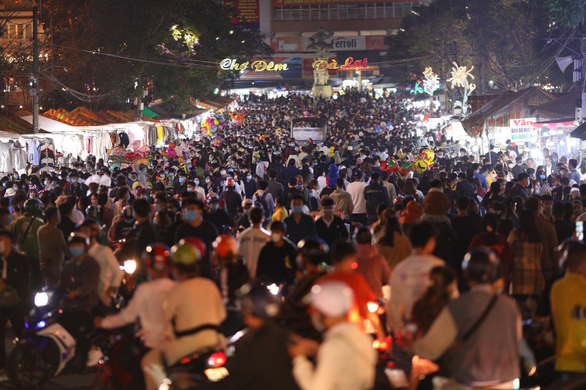 Hàng triệu người du lịch khắp cả nước 4 ngày nghỉ lễ - Ảnh 7.