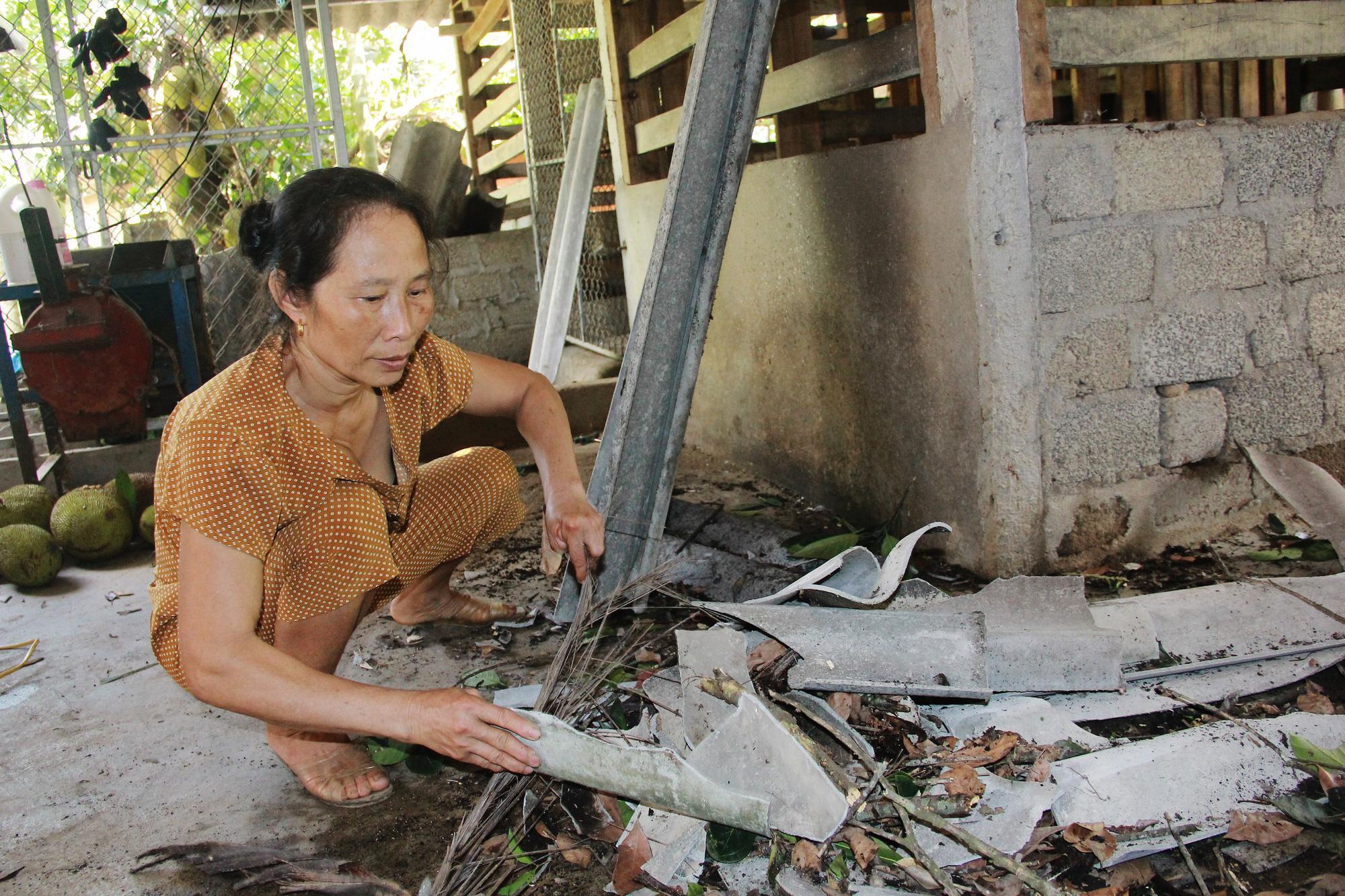 Hà Tĩnh: Lốc xoáy quét qua, hàng trăm ngôi nhà tốc mái, hoa màu hư hỏng nặng, thiệt hại hàng tỷ đồng - Ảnh 3.