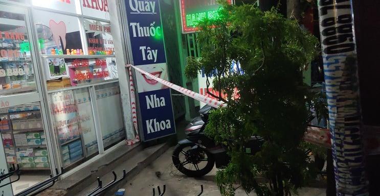 Bác sĩ bị đâm tử vong thương tâm vì ngăn kẻ trộm xe máy - Ảnh 1.