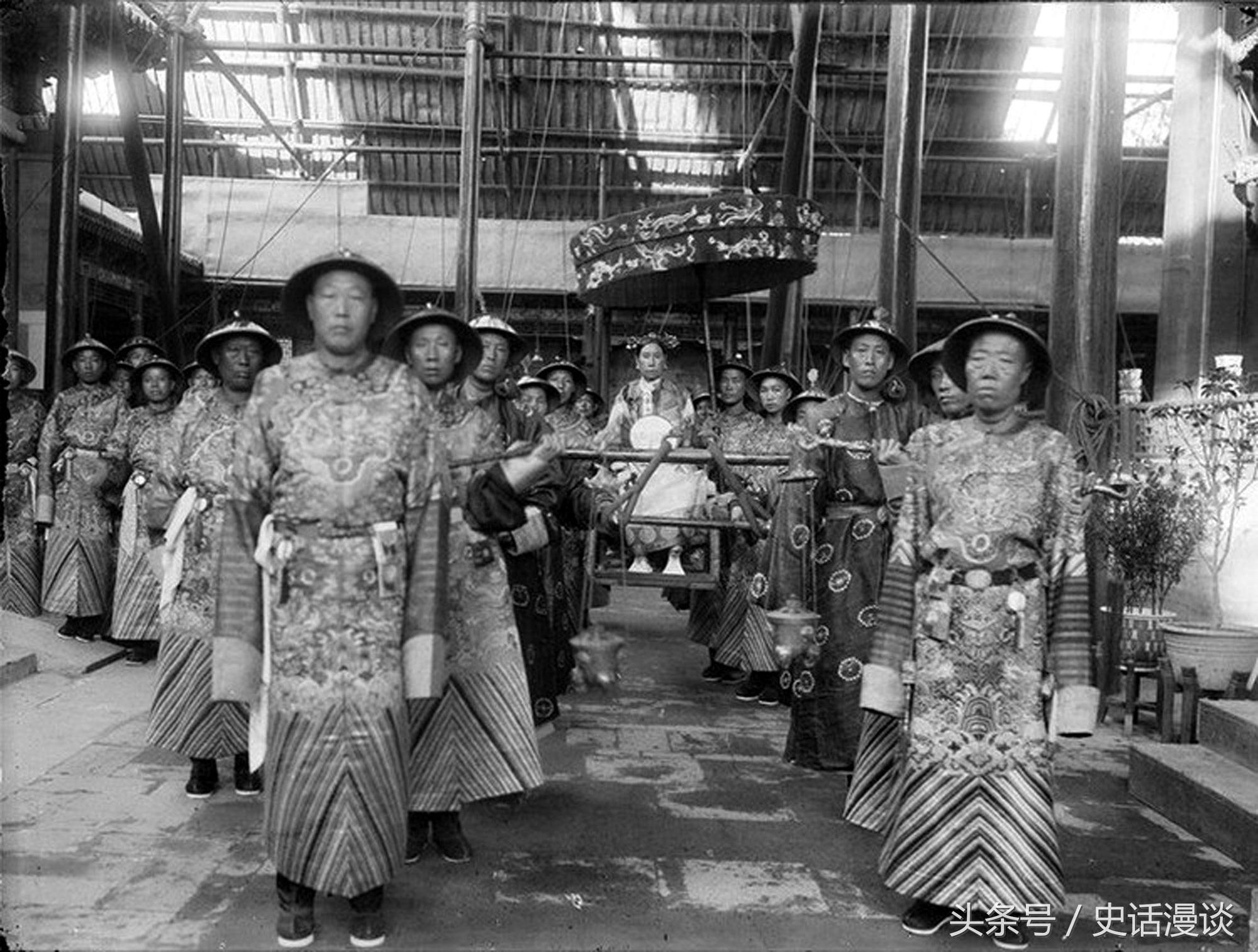 Cả đời tận tụy, thái giám Trung Quốc vẫn nhận cái kết hẩm hiu - Ảnh 3.
